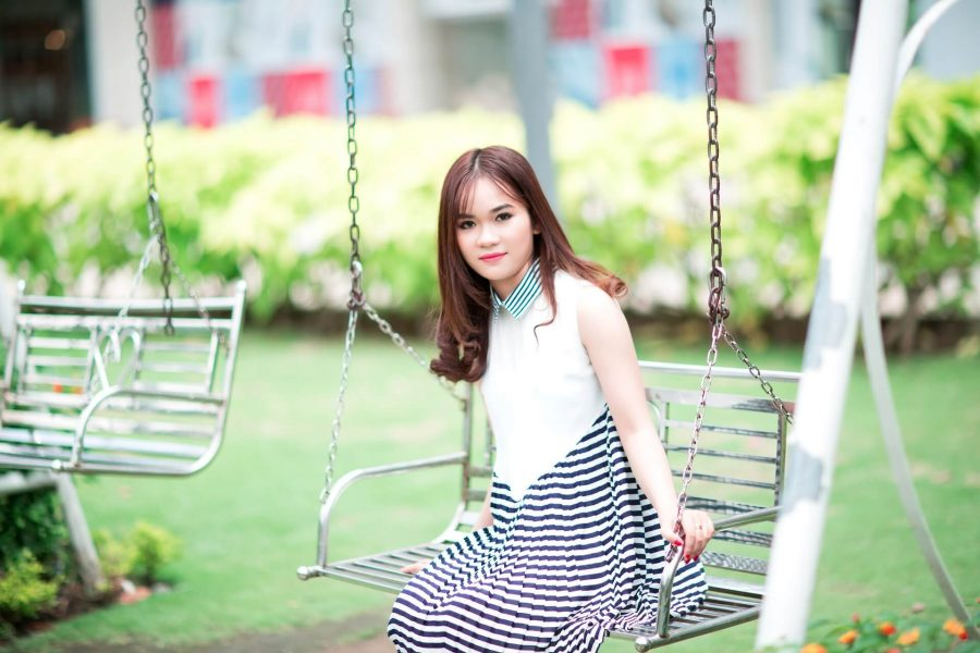 girl-2184001_1920.jpg