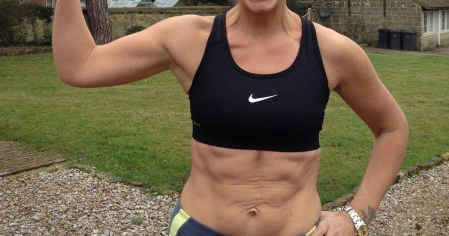 A lady flaunting her abs